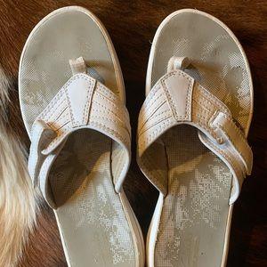 Cute Clark's Flip Flop Sandles